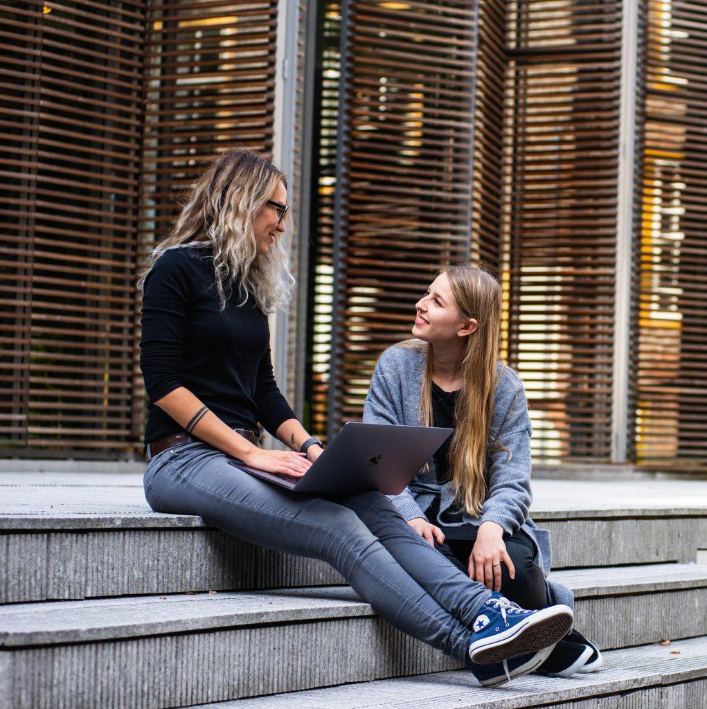 Displaying-emotional-intelligence-relationship-skills